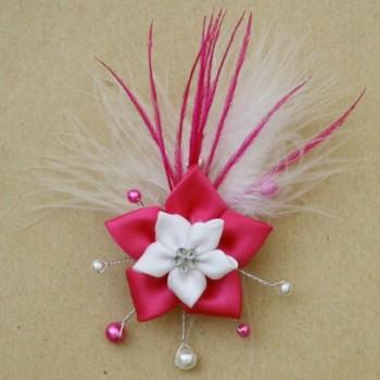 Broche mariage fleur blanc fuchsia plumes BRO342