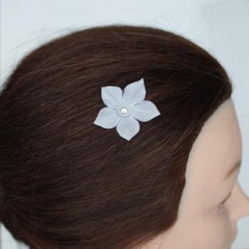 Epingle à cheveux fleur blanches EP1239A