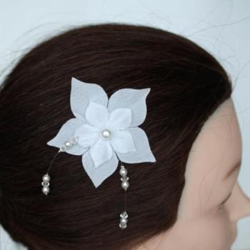 Epingle à cheveux fleur blanche EP1239C