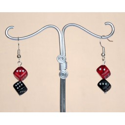 Boucles d oreilles dés rouge et noir BO3000A