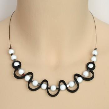 Collier blanc noir et argent CO1401A