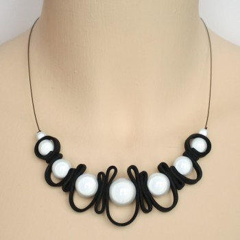 Collier noir et blanc CO1407A