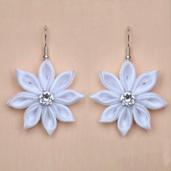 Boucles d'oreilles fleurs satin blanches BO1248A