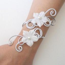 Bracelet mariage blanc et argent + fleurs BRA235