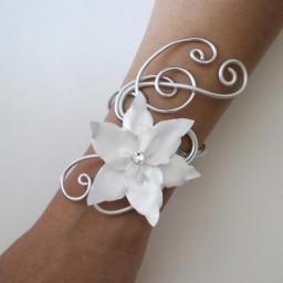 Bracelet mariage fleur blanc et argent BRA331