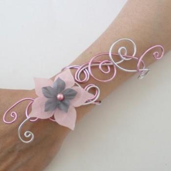 Bracelet mariage fleur rose gris BRA347