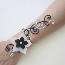 Bracelet mariage noir et blanc + fleur BRA320