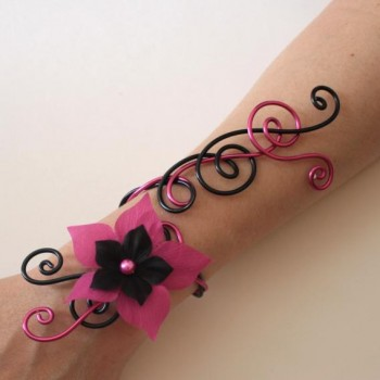 Bracelet mariage noir et fuchsia + fleur BRA315