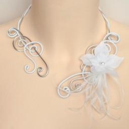 Collier mariage blanc argent + fleur + plumes COA314