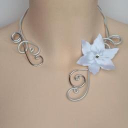 Collier mariage fleur blanc et argent COA331