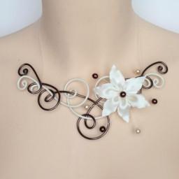 Collier mariage ivoire et chocolat + fleur COA233