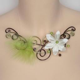 Collier mariage fleur plume vert anis chocolat ivoire COA346