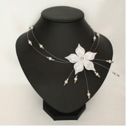 Collier mariage fleur blanc argent CO1270A
